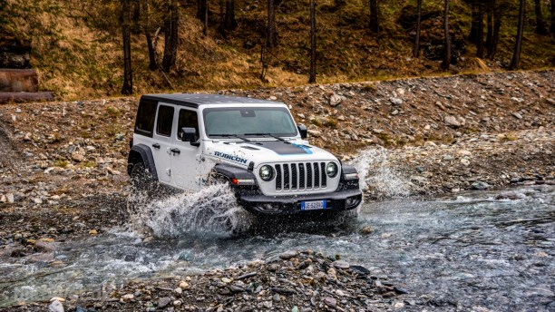 Krigsveteranen træder ind i et nyt årti – Jeep Wrangler får plugin-power