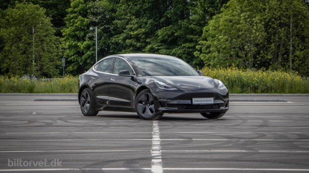 Elbil uden bagsiden - brugttest af Tesla Model 3